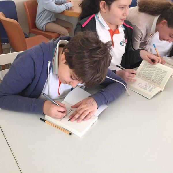 4/11/2016 tarihinde Zerrin Ş.ziyaretçi tarafından Sarıyer Evyap Koleji'de çekilen fotoğraf