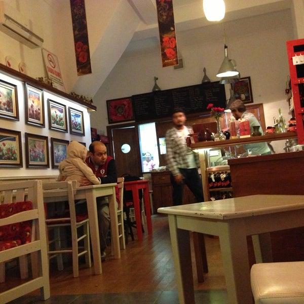 5/10/2013 tarihinde Oğuzhan T.ziyaretçi tarafından Ada Cafe'de çekilen fotoğraf