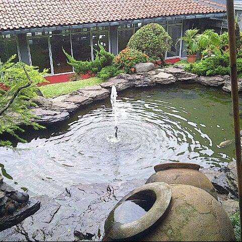 Photo taken at Ikan Bakar Bambu Haur by Agung M. on 1/13/2013