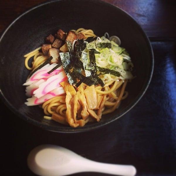Photo taken at 三ツ矢堂製麺 下北沢店 by 涼 カ. on 5/30/2014