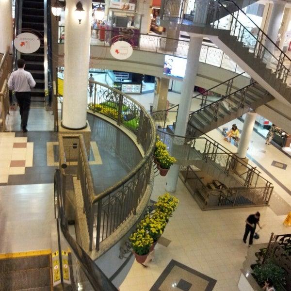 Foto tirada no(a) Shopping Del Paseo por Dafne C. em 3/17/2013
