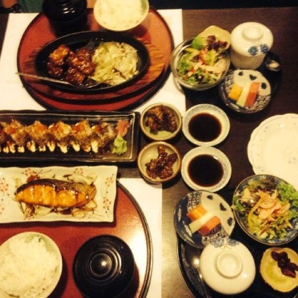 Photo taken at Hyotan Japanese Restaurant by Raymond F. on 9/28/2013