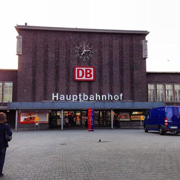 Photo taken at Duisburg Hauptbahnhof by David S. on 8/22/2013