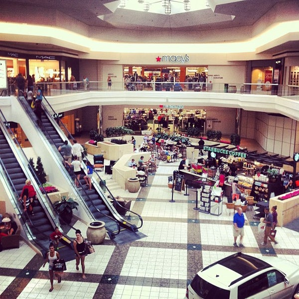 Clothing stores in hartford ct