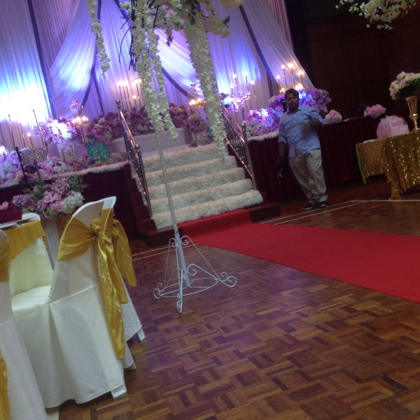 Photos at dewan alwy frim kuala lumpur park in kepong first time ever comin here for weddin reception junglespirit Choice Image