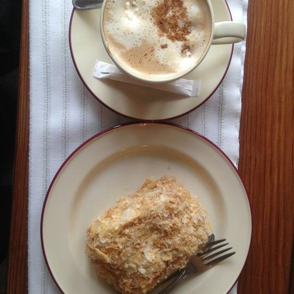 Снимок сделан в Cafeletto пользователем Svetlana K. 1/30/2013