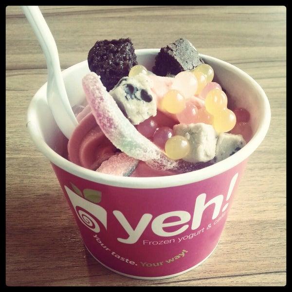 yogurt frozen case Outshine peach frozen yogurt with granola - refreshing frozen treat made with 100% yogurt, no high fructose corn syrup, no artificial flavors or colors, 14 ounces product - kemps butter pecan frozen yogurt, 15 qt.