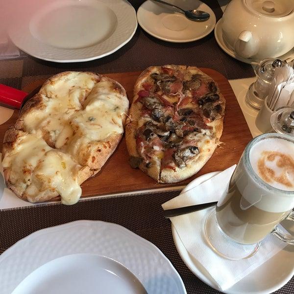 Пинца с трюфелем божественна!!! Очень понравилось кафе!