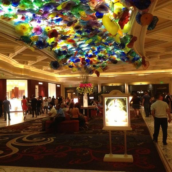 Photo prise au Bellagio Hotel & Casino par Loris V. le4/7/2013