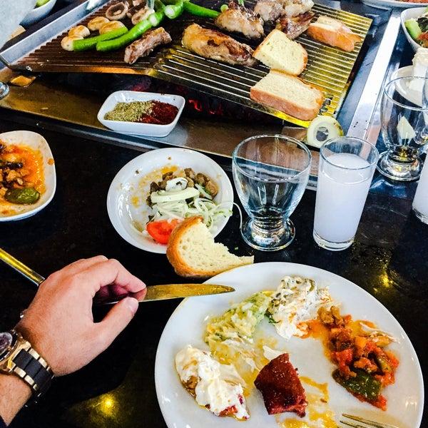 10/28/2017 tarihinde Burak A.ziyaretçi tarafından Gölköy Restaurant'de çekilen fotoğraf