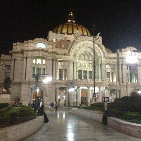 Foto tomada en Palacio de Bellas Artes por Chefcita A. el 2/28/2013