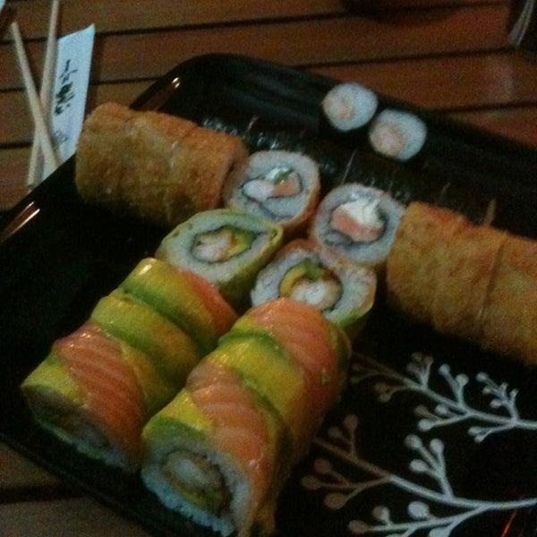 2/20/2013 tarihinde Victor S.ziyaretçi tarafından Nagai Sushi'de çekilen fotoğraf