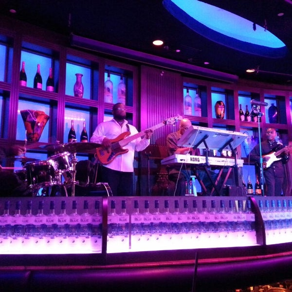 Photo taken at Blue Martini Brickell by Jose R. on 2/24/2013