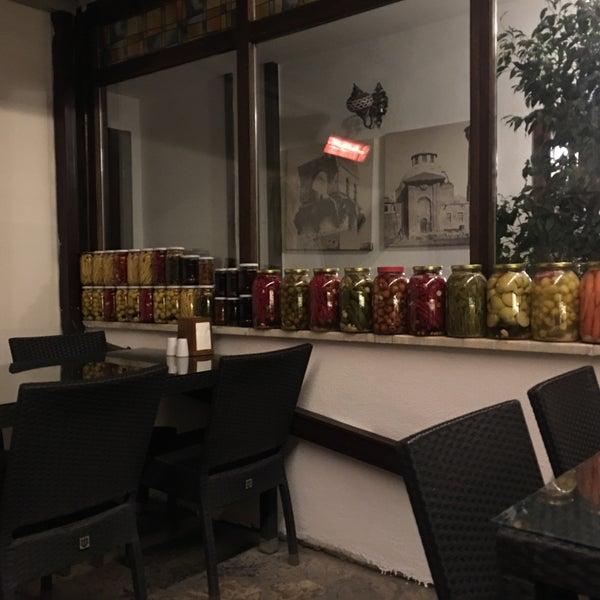 12/6/2017 tarihinde Perihan K.ziyaretçi tarafından Lokmahane Restaurant'de çekilen fotoğraf