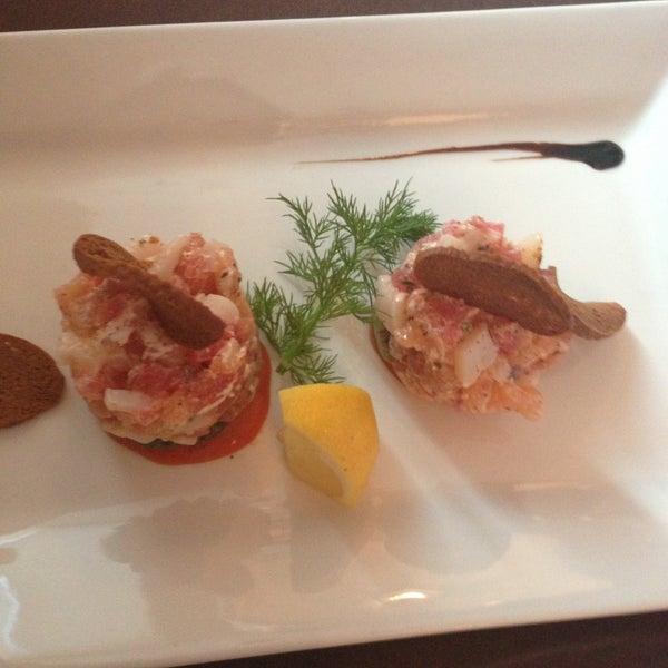 Потрясающе вкусная кухня! Хочется съесть ВСЕ из меню!! Официанты очень тактичные,сервис супер!!! Обожаю Шаляпин-и этот и загородный!