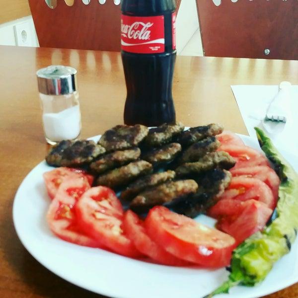 9/18/2016 tarihinde Eser D.ziyaretçi tarafından Ezgi Büfe'de çekilen fotoğraf