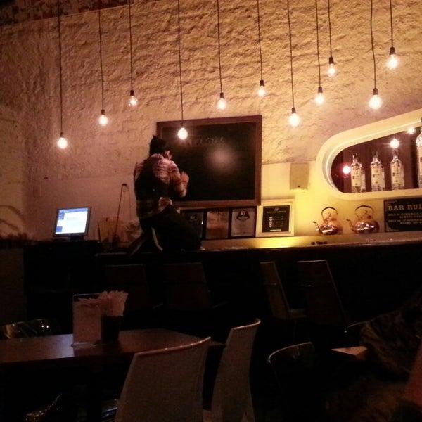 Foto tirada no(a) Meza Bar por Abilio F. em 7/26/2013