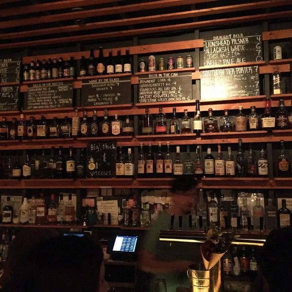 Das Foto wurde bei Sycamore Flower Shop + Bar von Nate F. am 10/5/2015 aufgenommen