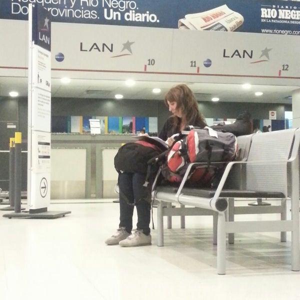 Foto tomada en Aeropuerto Internacional del Neuquén - Presidente Juan D. Perón (NQN) por Luis M. el 3/21/2013