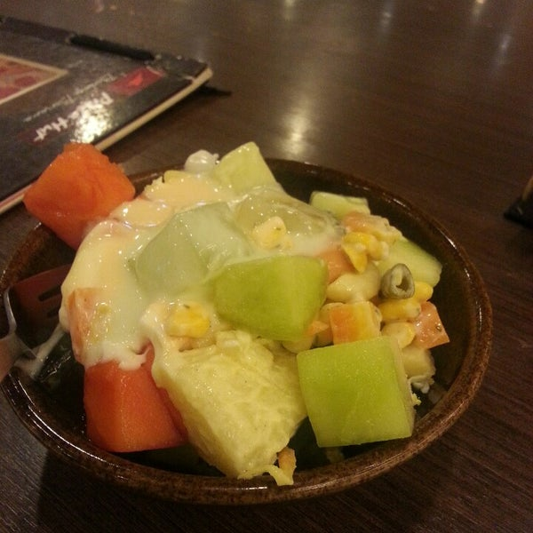 Photo taken at Pizza Hut by Arief R. on 10/14/2014