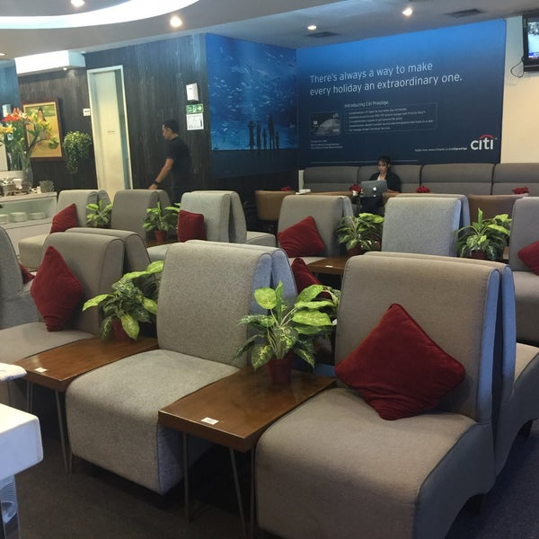 Photo taken at Citibank Lounge by Shirly H. on 8/24/2016