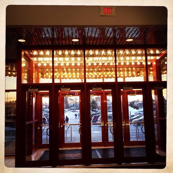 Photo taken at AMC Loews Brick Plaza 10 by Aden R. on 1/22/2014