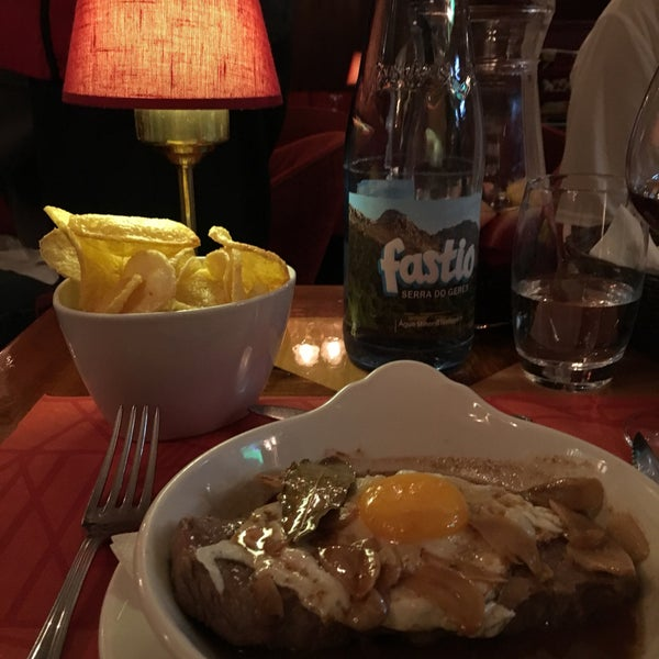 8/9/2017 tarihinde Elena P.ziyaretçi tarafından Café de São Bento'de çekilen fotoğraf