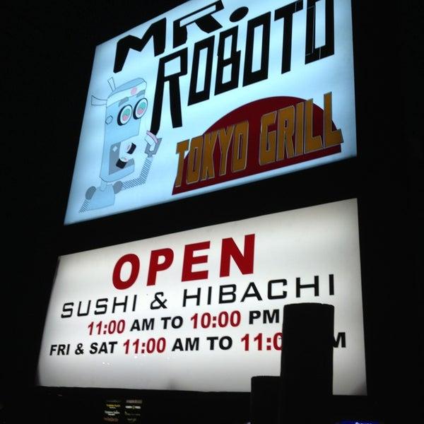 Photo taken at Mr. Roboto Tokyo Grill by Sevgi Ş. on 5/20/2013