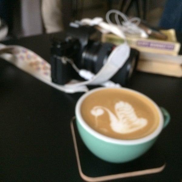 Снимок сделан в First Point Espresso Bar пользователем Рина Б. 5/13/2017