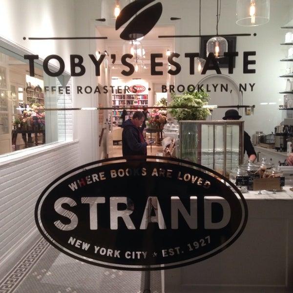Foto scattata a Toby's Estate Coffee da Josh G. il 11/6/2013