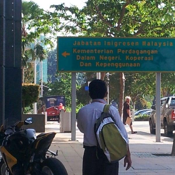 Photo taken at Jabatan Imigresen Malaysia by Norzehan S. on 4/1/2013