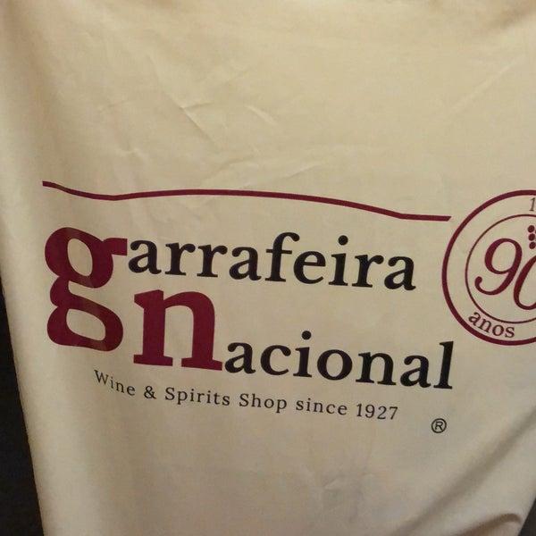 Ambiente , atendimento e boa comida. Precisa melhorar carta de vinhos. Aconselho entrar em contato com a Garrafeira Nacional em Lisboa e trazer rótulos portugueses bons.