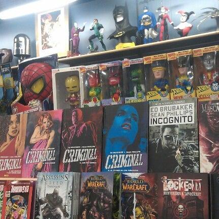 Foto tomada en Norma Cómics por Eugene T. el 2/6/2013