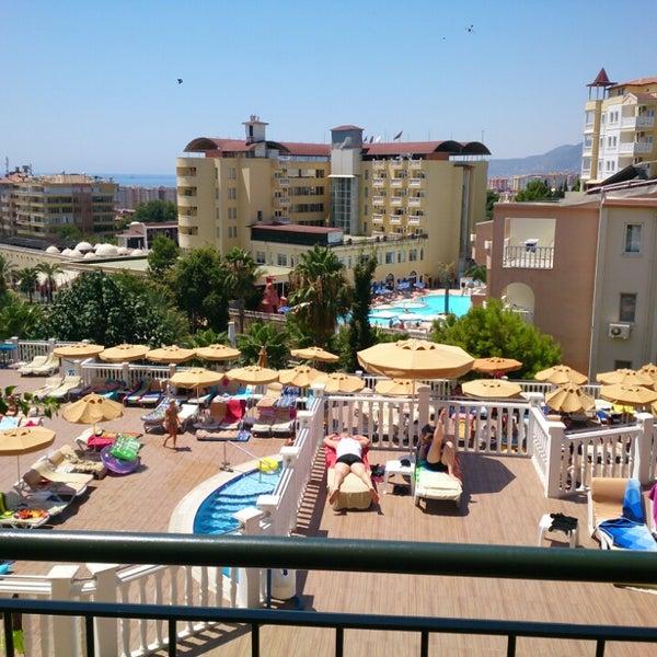 7/30/2013 tarihinde ünver G.ziyaretçi tarafından Club Paradiso Hotel & Resort'de çekilen fotoğraf
