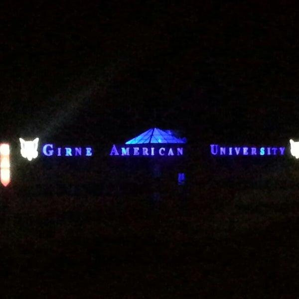 Photo prise au Girne American University par Tolga Fatih A. le9/21/2013