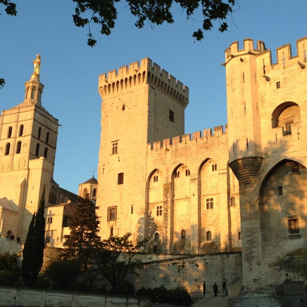Where's Good? Holiday and vacation recommendations for Avignon, France. What's good to see, when's good to go and how's best to get there.