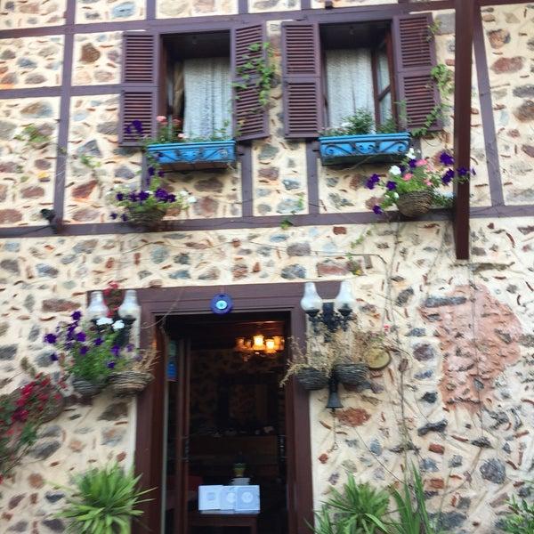 6/4/2017 tarihinde Gonca A.ziyaretçi tarafından Centauera Butik Hotel &Cafe'de çekilen fotoğraf