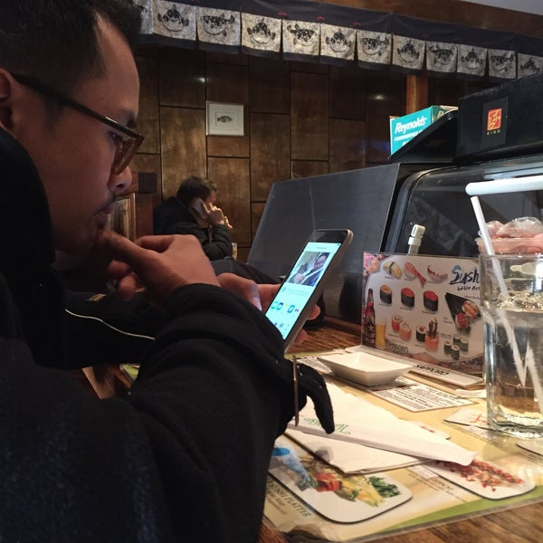 Photo taken at Tomo Japanese Cuisine by Blythe B. on 1/6/2016