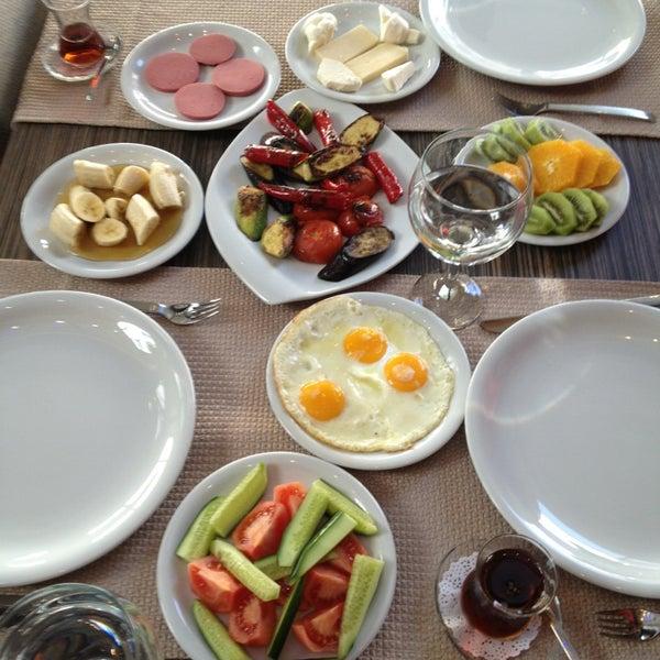 3/10/2013 tarihinde Süleyman D.ziyaretçi tarafından Cheffy Dünya Mutfağı'de çekilen fotoğraf