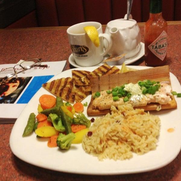Photo taken at Shari's Restaurant by James I. on 5/28/2013