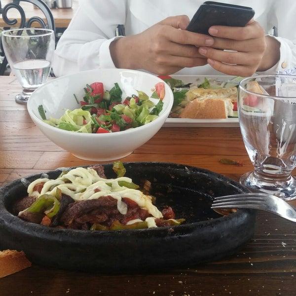 8/5/2018 tarihinde Ebru U.ziyaretçi tarafından Taçmahal Et Balık Restorant'de çekilen fotoğraf