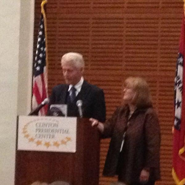 Foto tomada en William J. Clinton Presidential Center and Park por Andrew L. el 1/27/2013