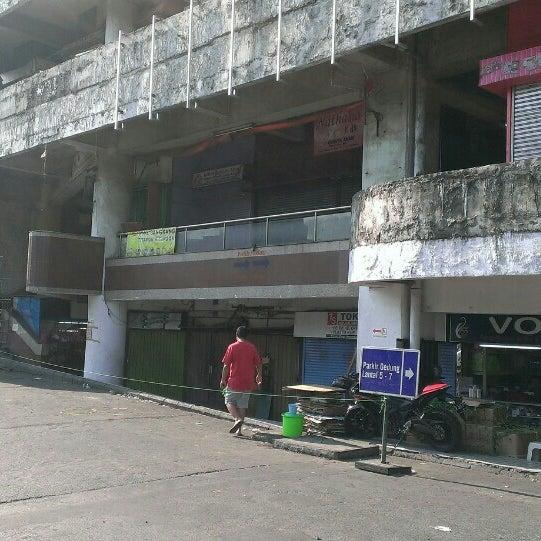Photo taken at Pasar Asemka by Rizanto N. on 7/21/2015