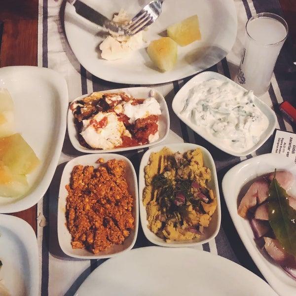 Das Foto wurde bei Kekik Restaurant von Arman Attar am 8/25/2018 aufgenommen