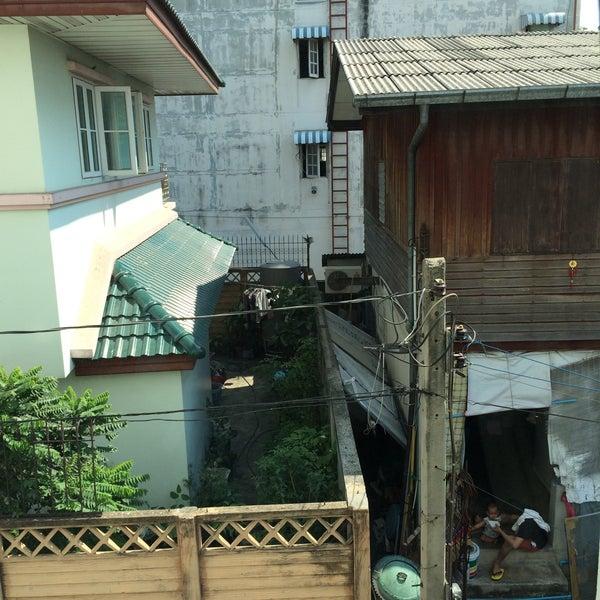 3/9/2016 tarihinde Liaziyaretçi tarafından Udee Bangkok Hostel'de çekilen fotoğraf
