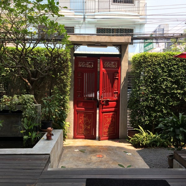 3/19/2016 tarihinde Liaziyaretçi tarafından Udee Bangkok Hostel'de çekilen fotoğraf