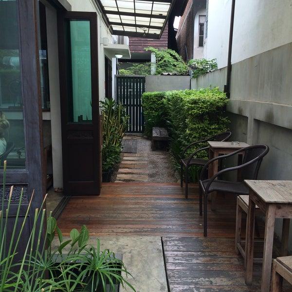 3/27/2016 tarihinde Liaziyaretçi tarafından Udee Bangkok Hostel'de çekilen fotoğraf
