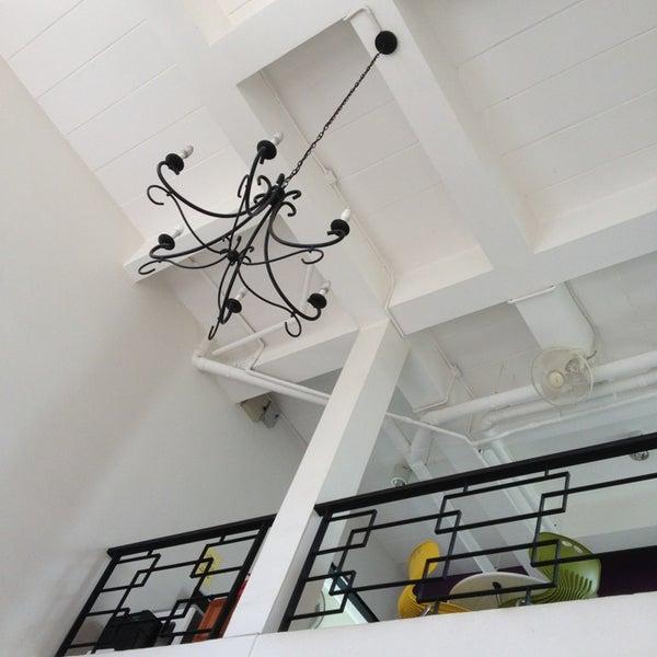 8/15/2013 tarihinde Jayme d.ziyaretçi tarafından Udee Bangkok Hostel'de çekilen fotoğraf