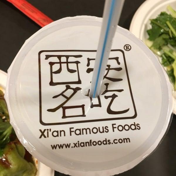 Foto tirada no(a) Xi'an Famous Foods por April N. em 12/28/2017