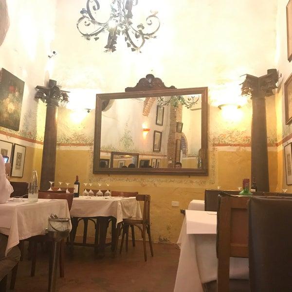 Foto tomada en Donde Olano Restaurante por Ozgun G. el 9/7/2017